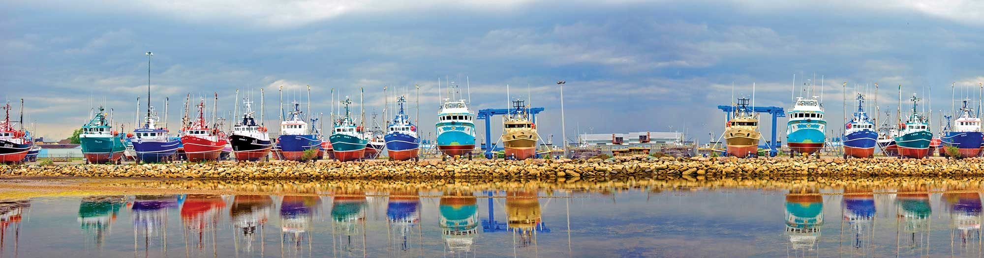 boats-fishing-harbour-canada