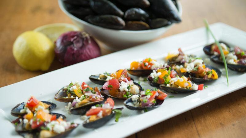 blue-mussels-mytilus-edulis-half-shell-recipe-platter