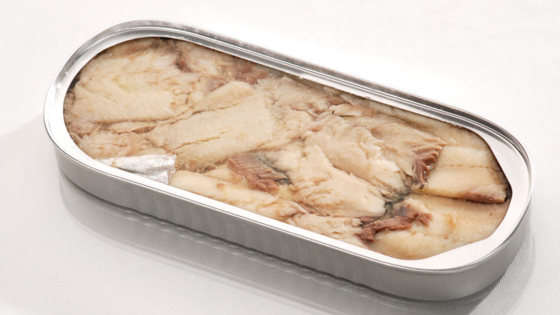 herring-canned-cooked-product